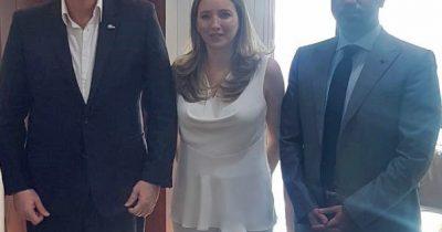 اجتماع فيرونيكا كوتديمي، الرئيس التنفيذي لشركة سيتيزنشب انفست مع رئيس وزراء سانت لوسيا، ألين تشاستانيت